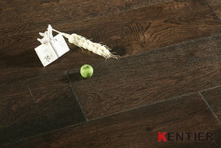 K1516-White Oak Engineered Flooring with Wire Brushed Treatment